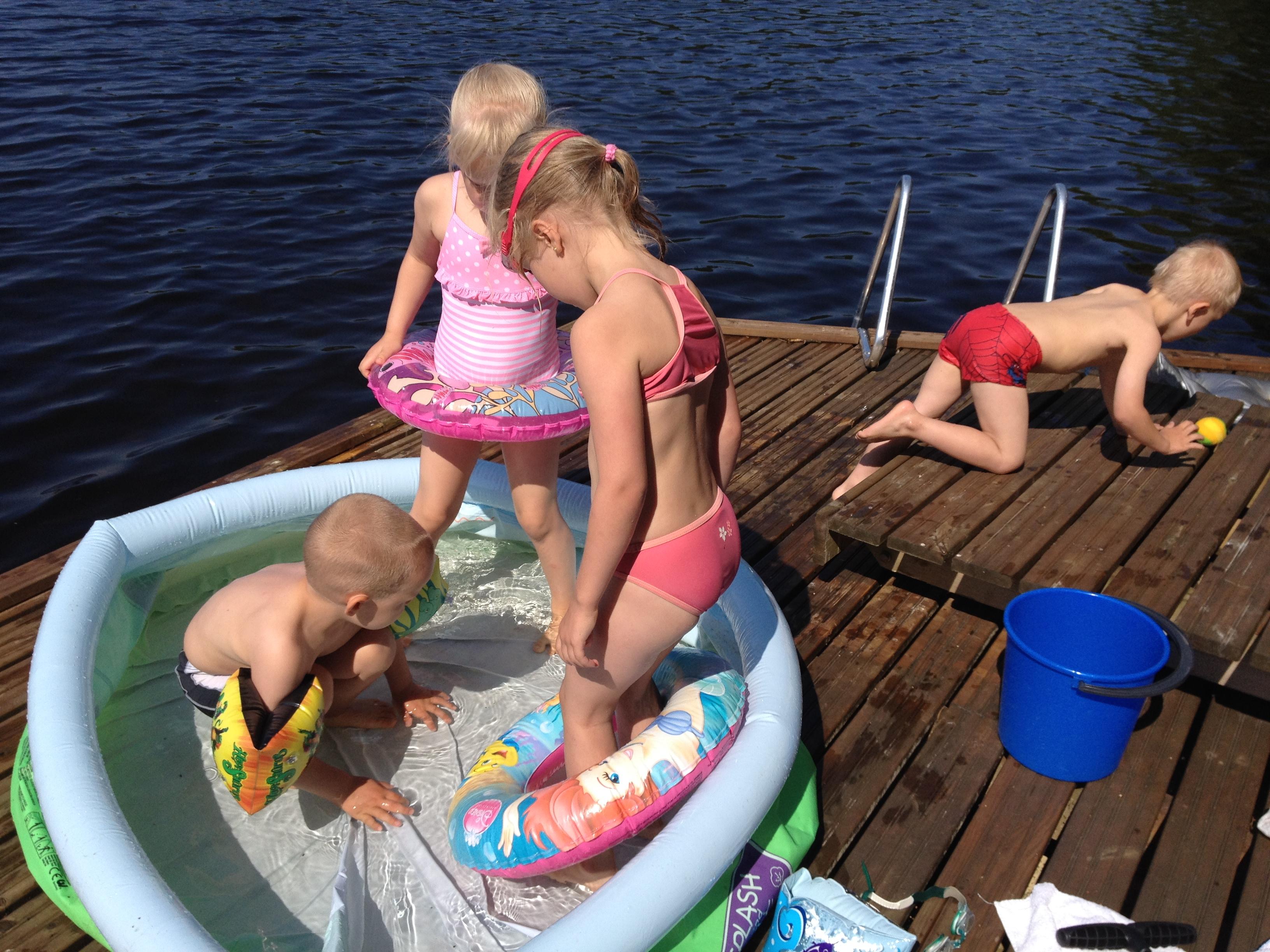Kuuman kesän nautintoja/ Enjoying the warm summer